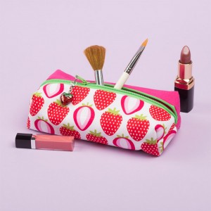 Beauty Case Pink Strawberry